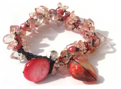 Armband 60x Rubelith 5x Perle 2x rosa Perlmuttchip längenvariabel