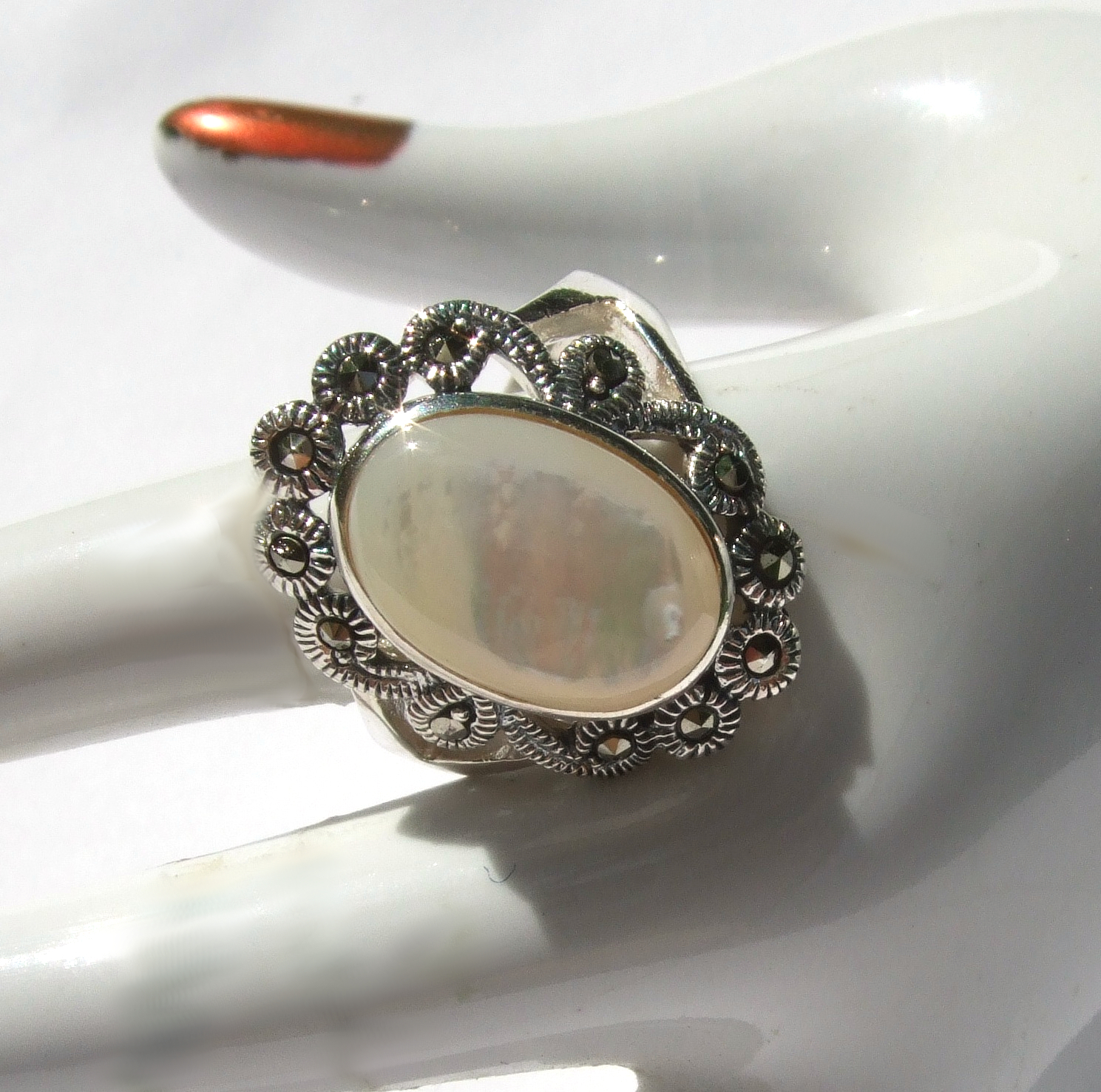 markasitschmuck silbermondschimmer perlmutt markasit silber ring. Black Bedroom Furniture Sets. Home Design Ideas